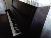 Продам фортепиано Лирика